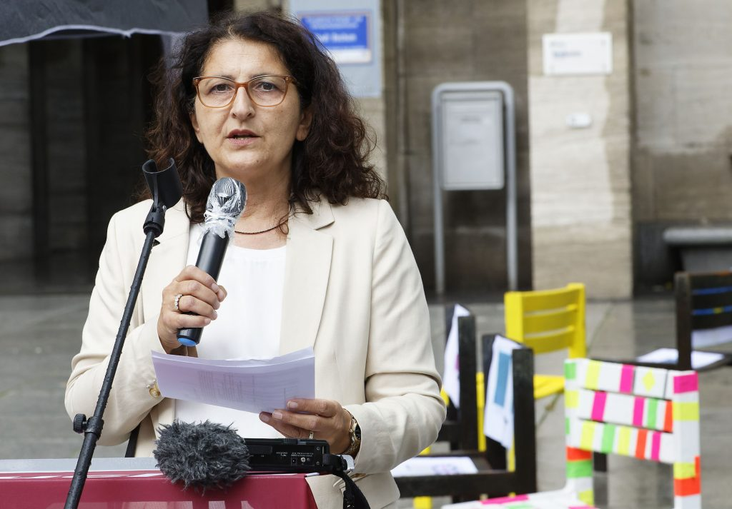 Bürgermeisterin Zülehya Demir