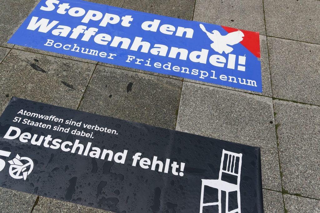 Ein Stuhl bleibt weiß, solange Deutschland dem Atomwaffenverbot nicht beigetreten ist