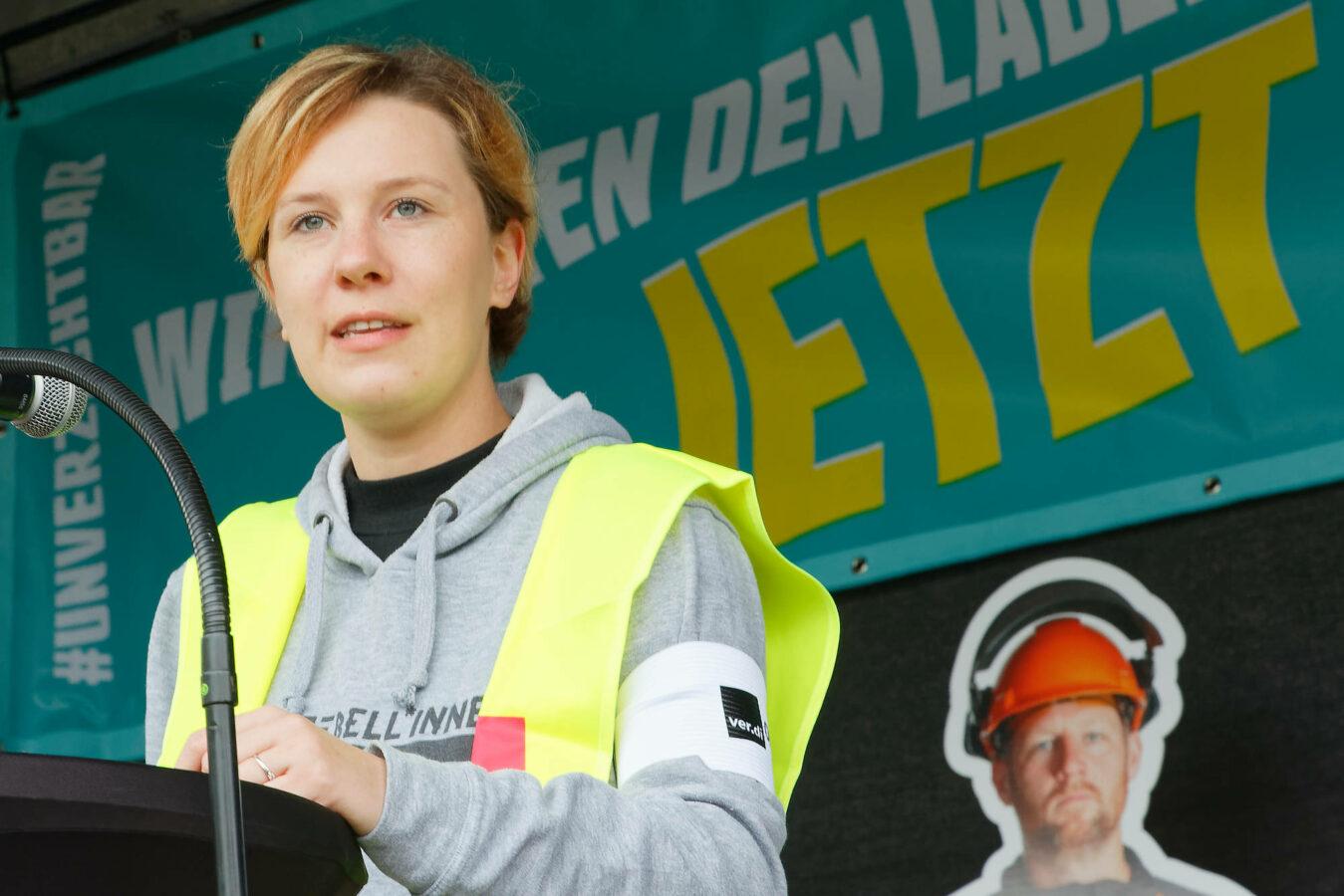 Christine Giese, Mitglied der Geschäftsführung des ver.di-Bezirksjugendvorstandes im mittleren Ruhrgebiet